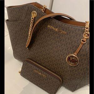 Michael Kors large handbag With matching wallet